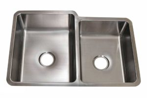 Stainless Steel Kitchen Sink RD3221 - Dimensions: L 32 in. x W 21 in. x D 9 / 8 in.